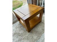 Oak furniture land side table