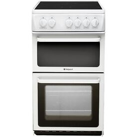 (Nearly New) Hotpoint Electric cooker & grill with ceramic hob
