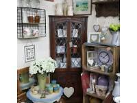 Vintage corner unit in excellent condition