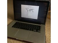 "Excellent Condition: MacBook Pro ""Core i5"" 2.4 15"" 4GB"
