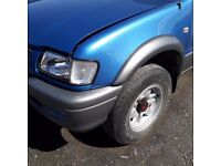 breaking blue isuzu TF 3.1 turbo diesel 4x4 pick up parts spares