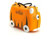 TRUNKI Suitcase-- USED