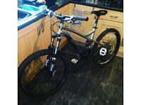 Ful-suspension mountain bike