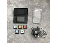 Nintendo DS Lite + 5 games + charger + case