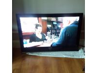 large 42'' Samsung plasma TV set with wall bracket in excellent condition can deliver