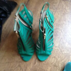 green sandles size 5