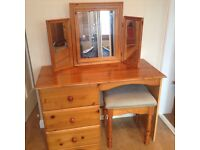 Pine dressing table with 3-part standing mirror and upholstered stool