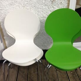 4 IKEA MODERN CHAIRS 2 WHILE AND 2 GREEN