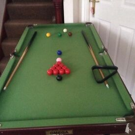4' x 2.5' snooker table