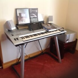 Electric Yamaha digital TYROS Keyboard on lovely stand