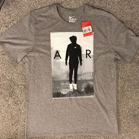 Nike Air T-shirt - Size L