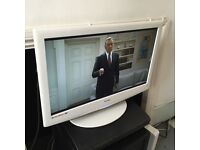 Technika 22 inch HD LCD TV/DVD Combi with Freeview, Remote, White Limited ed. NO OFFERS