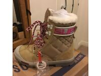Superdry eiger ladies/girls boots