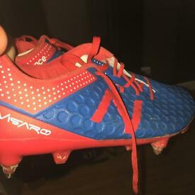 Professional footballers new balance football boots 1 pair in the world! Size 8.5 UK