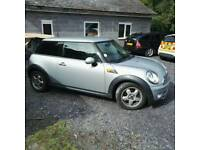 Mini Cooper d 2009 full service history including all books and two keys