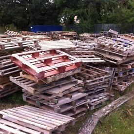 FREE PALLETS great for diy projects and kindling
