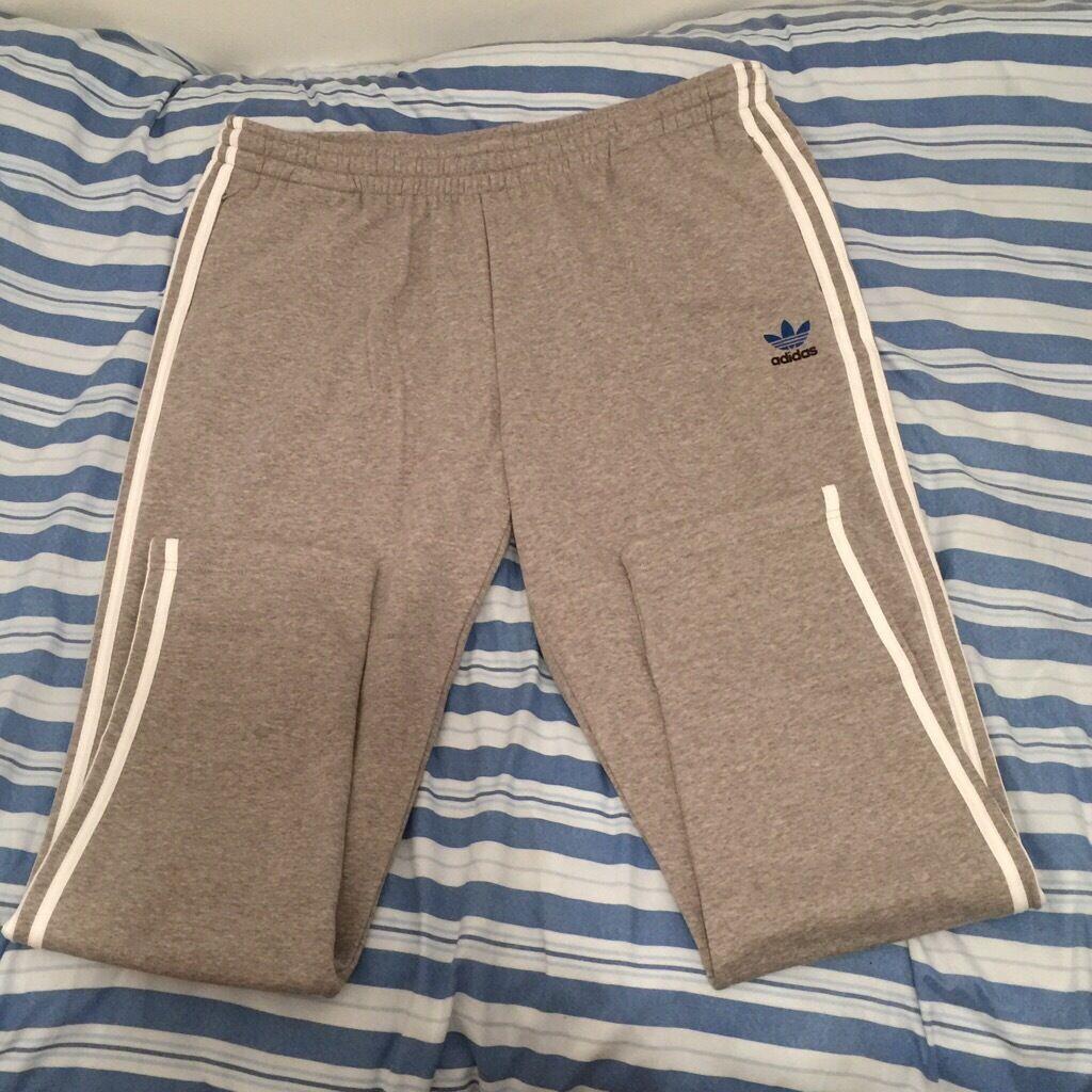 Adidas origanial stylish track pants XL