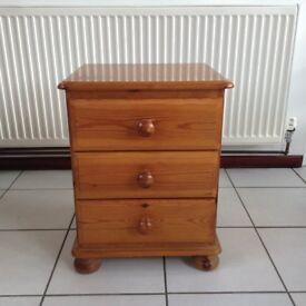 3 drawer pine bedside cabinet