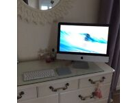 iMac 21.5 immaculate condition 18,on this old, hardly used!