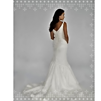 Beautifully slimming wedding dress + designer ball gowns / formal