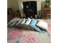Rug & 7 coordinating cushions