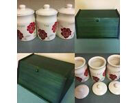 Bread bin & Tea, Coffee, Sugar jar (like new)