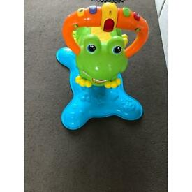 Bounce and dicecover frog