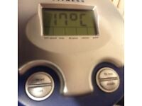 York exercise bike inspiration 100 . Speed , time , distance , calories , pulse .