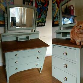 Vintage shabby chic dressing table - solid wood - refurbished