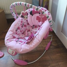 Baby musical vibrating Minnie Mouse bouncer