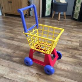 Molto toy children's shopping trolley