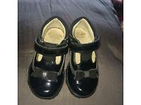 GIRLS FIRST SHOES BLACK PATENT LIGHT UP