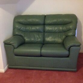 Very nice 3 piece leather sofa, recliner, very good condition, can delivery Today and tomorrow.