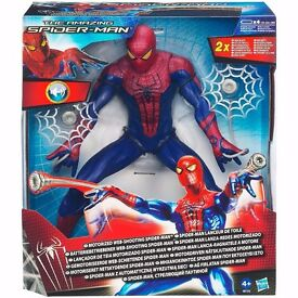 Marvel - The Amazing Web Shooting Spider-Man Motorized - 13 Inch Figure Hasbro
