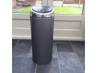 Brabantia 30litre touch top kitchen bin