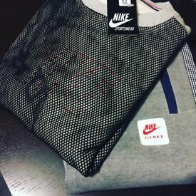 Nike tracksuit Meduim