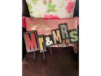 Mr & Mrs Hanging Sign with Hooks