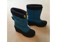 Mini Boden blue/black snow boots size 34 (UK 2)