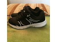 Women shoes size 3