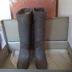 Ladies fine leather grey boots