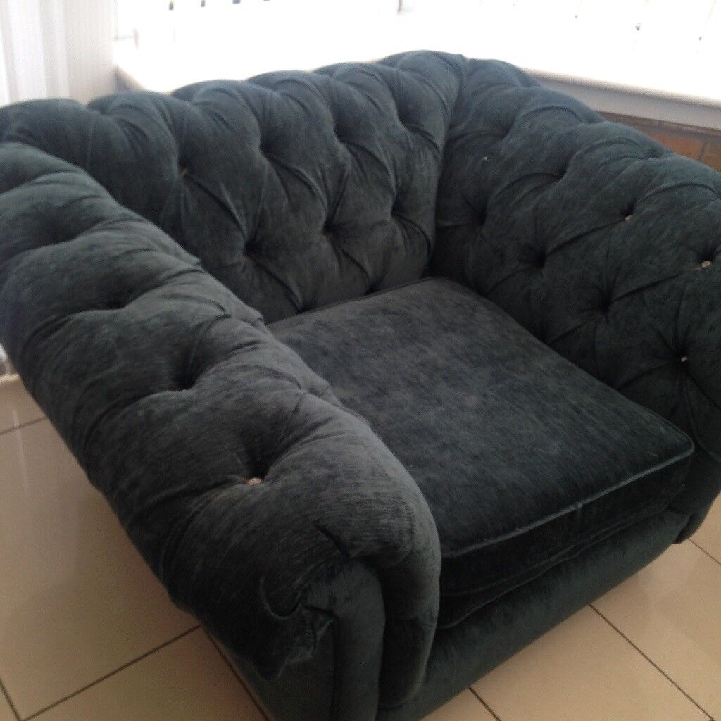 Urgent sale *** chesterfield sofa chair