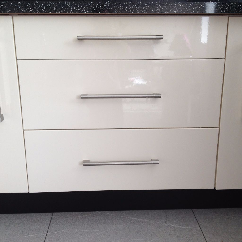 High gloss cream kitchen cupboard doors drawer fronts for Kitchen drawers for sale