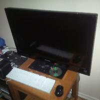 32 inch Dynex high def flat screen tv