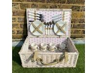 Fitted picnic basket