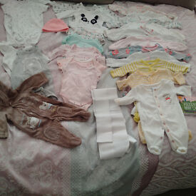 Bundle of baby clothes (newborn - 3 month)