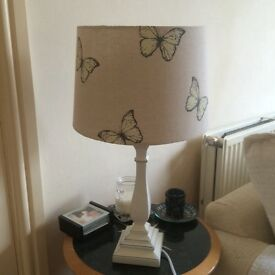 Beautiful butterfly table lamp Like new