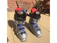 Ski Boots, Mens UK Size 9 (Darbello)