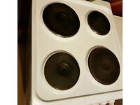 Indesit white Cooker with Grill and 4 hobs. Clean like new Delivery