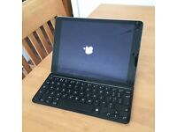 iPad Air 16gb Space Grey with Logitech keyboard / case