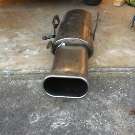 Exhaust box